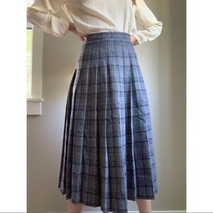 Vintage Pendleton wool pleated plaid skirt